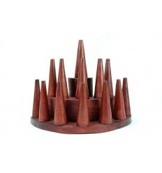 Porte-bagues /  Présentoir à bagues (13 cônes) en bois teinte rouge