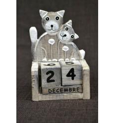 Petit calendrier perpétuel en bois, chat et chaton. Cadeau enfant.