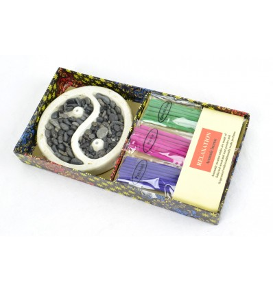 Coffret relaxation de Bali : porte-encens yin yang + encens offert.