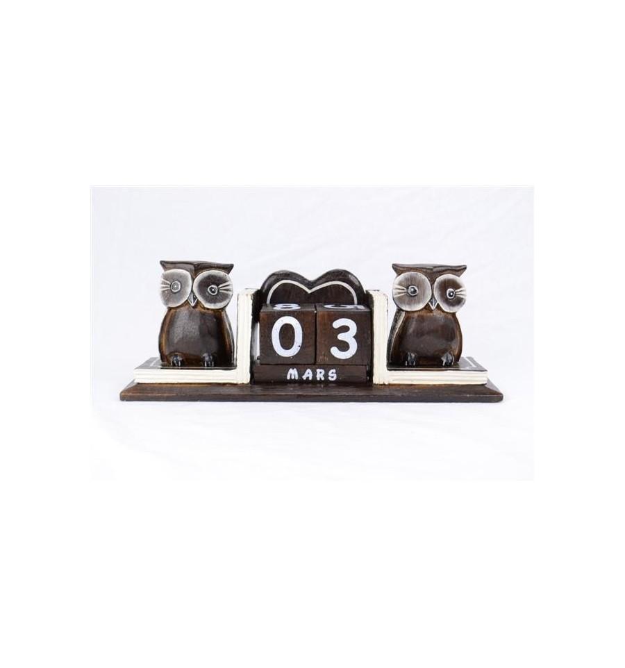 calendrier perpetuel 2 statuettes hiboux en bois fabrication artisanale de bali. Black Bedroom Furniture Sets. Home Design Ideas