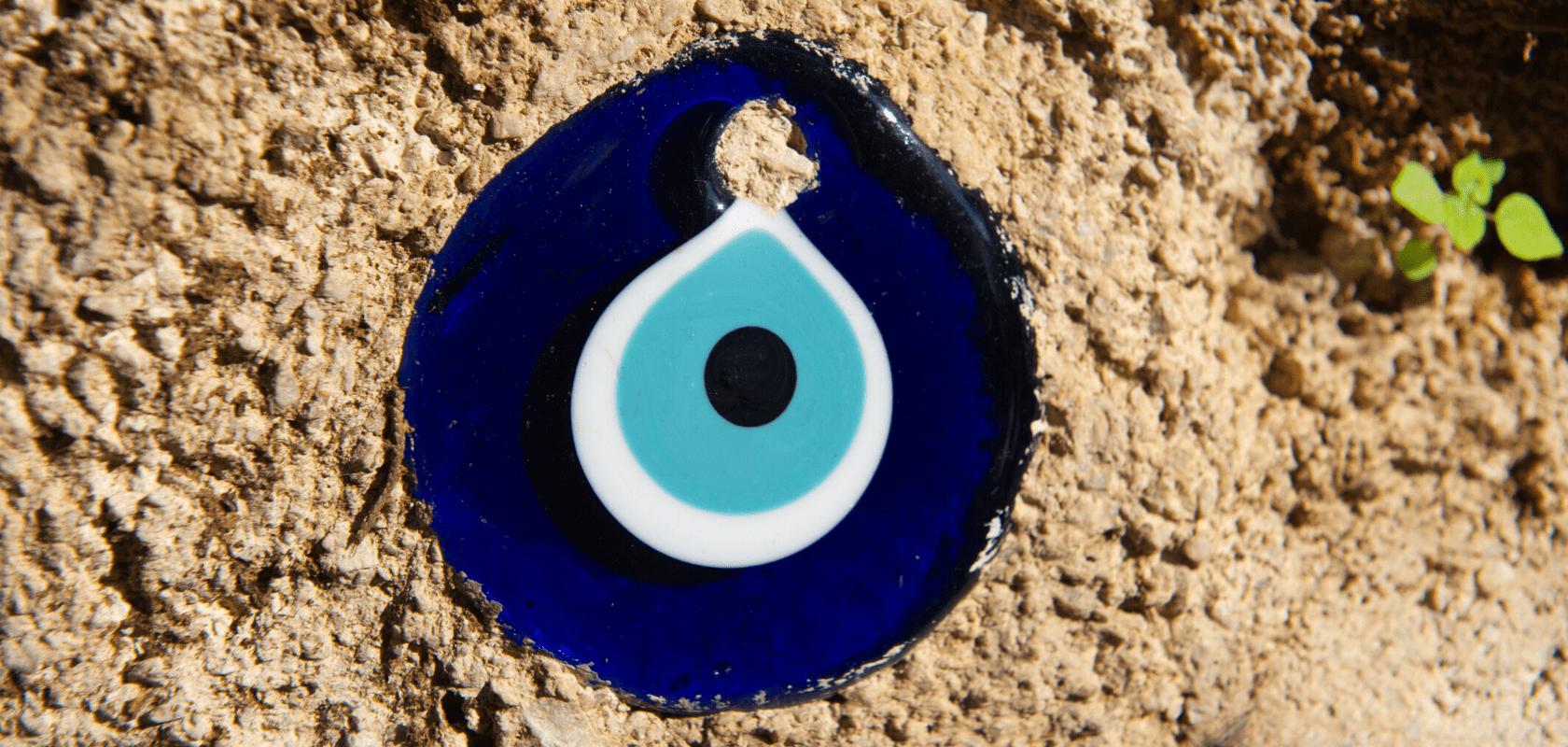 bijou bleu oeil turc mauvais oeil protection article de blog