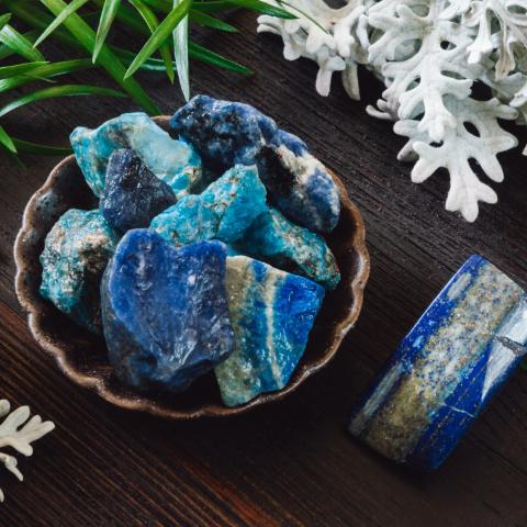 lapis lazuli pierre naturelle lithothérapie